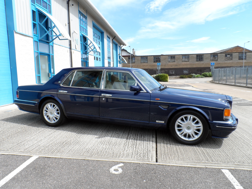 1     bentley brooklands r